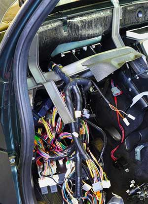 Kabelstränge und Elektrosmog in einem PKW